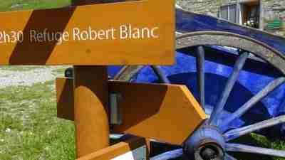 Tour du Mont Blanc from Martigny in Comfort 15