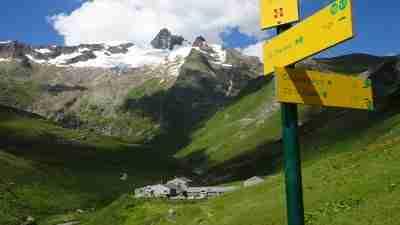 Tour du Mont Blanc from Martigny in Comfort 16