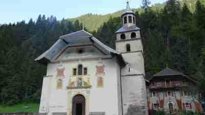Tour du Mont Blanc from Martigny in Comfort 68