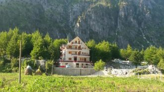 Self-guided-hiking-tour-Albania-hotels3