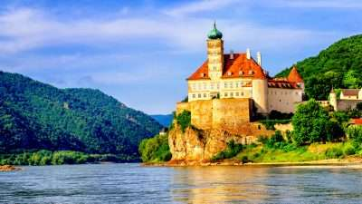 Classic Danube Cycle Path: Passau to Vienna