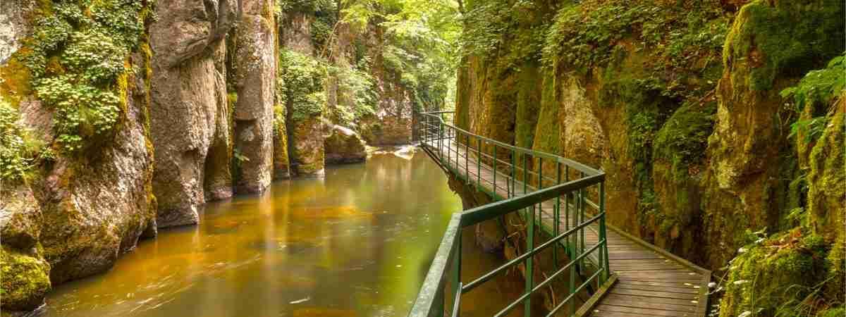 Natural Adventure Retreats: Centre-Based Walking & Cycling Holidays