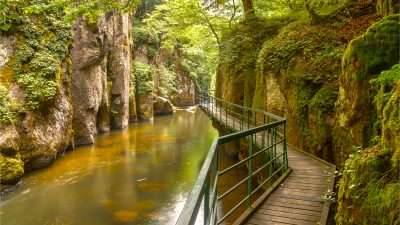 Natural Adventure Retreats: Centre-Based Walking & Cycling Holidays
