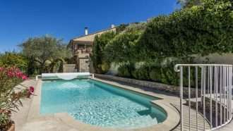 Classic Provence: Alpilles and Luberon 26