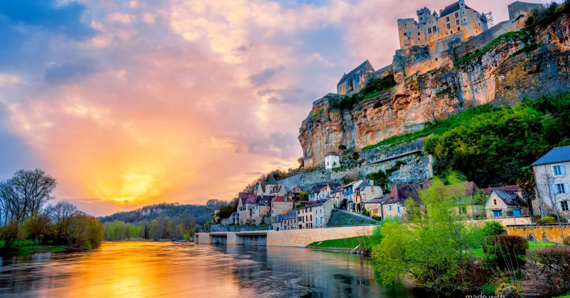 Dordogne Walking The Perigord Noir Sarlat In Style Walking Holiday In France